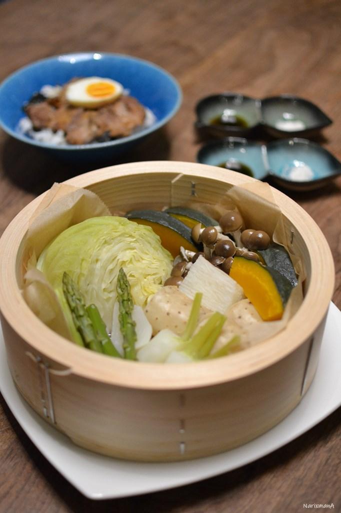蒸し野菜とチャーシュー丼